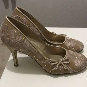 Steve Madden Beautiful Stitched High Heel Shoes